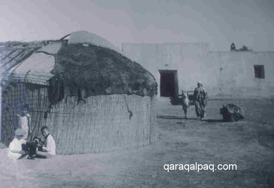 An old Qaraqalpaq yurt in the 1930s